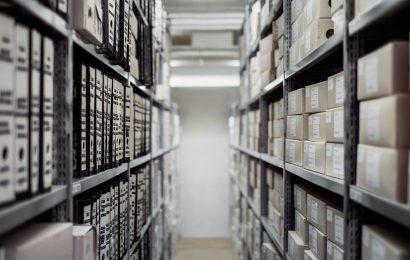 scaffalatura di un archivio