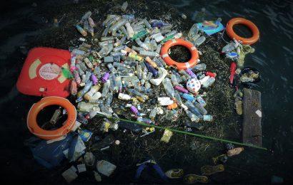 Plastiche negli oceani: 3 tecnologie per rimuoverle