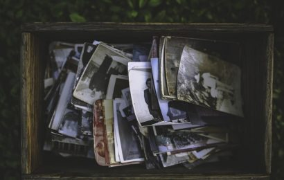 Realtà e illusioni: l'album fotografico 2000-2018