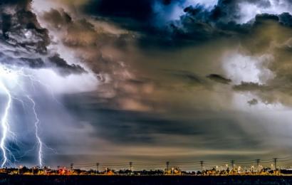 Eventi atmosferici e consumi energia: la maledetta spirale